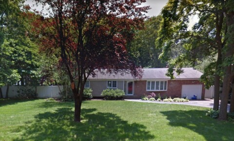 Houses Near Brentwood Beautiful 3 Bedroom 2 Bath For Rent for Brentwood Students in Brentwood, NY