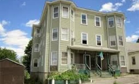 Apartments Near Holy Cross 53 Penn Ave Apt 3 for College of the Holy Cross Students in Worcester, MA