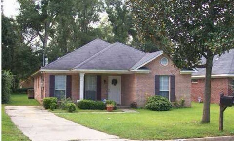 Houses Near BCCC This home won't last long! Immaculate 3/2 in Pinehurst for Blue Cliff Career College Students in Mobile, AL