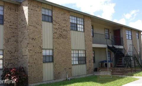 Apartments Near Southern Careers Institute-Harlingen Oakwood Apts. for Southern Careers Institute-Harlingen Students in Harlingen, TX