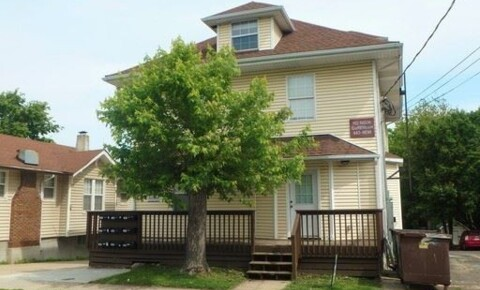 Apartments Near Mizzou 1113 Paquin St for University of Missouri Students in Columbia, MO