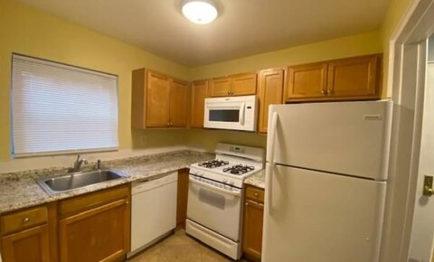 Apartments Near West Nyack Nice 1 Bedroom Apt 1st Floor Well Maintained Building - Laundry On Site - 1 Parking Space/Tarrytown for West Nyack Students in West Nyack, NY