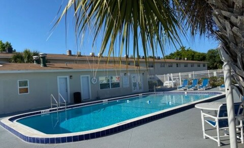 Apartments Near Daytona College 464 Brentwood Drive for Daytona College Students in Ormond Beach, FL