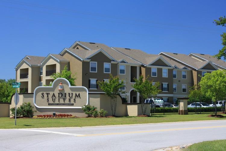 Stadium suites apartments at university of south carolina south carolina uloop for 3 bedroom apartments columbia sc