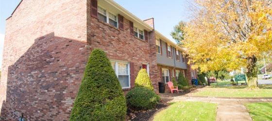 Regency Place Townhomes (2 Bedroom)