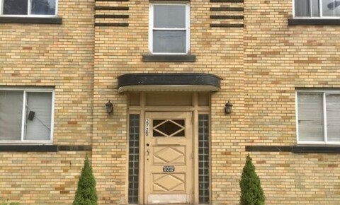 Apartments Near Notre Dame 3919 Elmwood Rd for Notre Dame College Students in Cleveland, OH