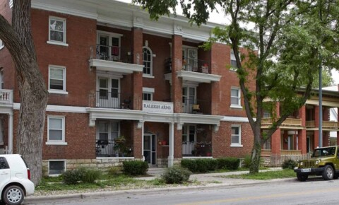 Apartments Near Avila Raleigh Arms for Avila University Students in Kansas City, MO