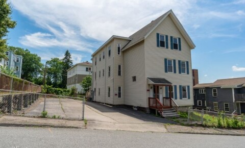 Apartments Near Anna Maria Newport St for Anna Maria College Students in Paxton, MA