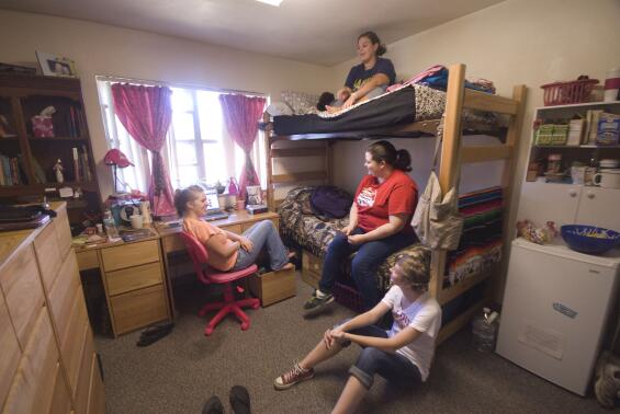 Dorm life 101 how to make friends college news for Missouri s t dining hall hours