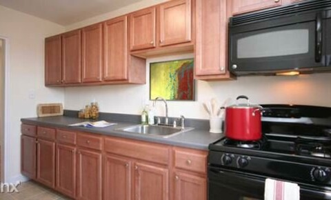 Apartments Near Mercy Gorgeous Garden 2 br, 1 ba Apt - W/D In Unit/Dobbs Ferry for Mercy College Students in Dobbs Ferry, NY