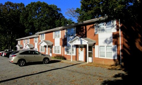 Houses Near Stanly Community College  Townhouse-Hwy 24/27 for Stanly Community College  Students in Albemarle, NC