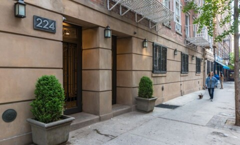 Apartments Near NYU 224 Sullivan Street for New York University Students in New York, NY
