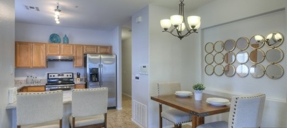 2 bedroom Scottsdale Area